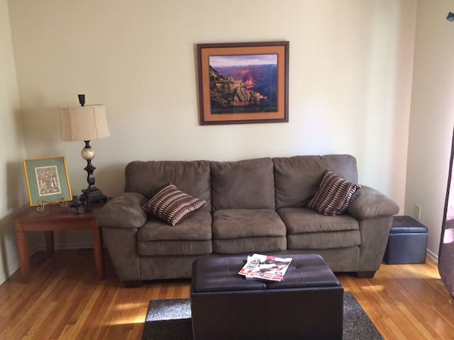 Clean Apartment, Awesome Couch - Franklin Township - Lägenhet