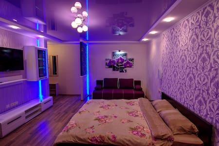 Уютная студия с евроремонтом в центре Мариуполя