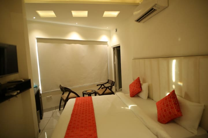 Enjoy your holiday in Suite Room