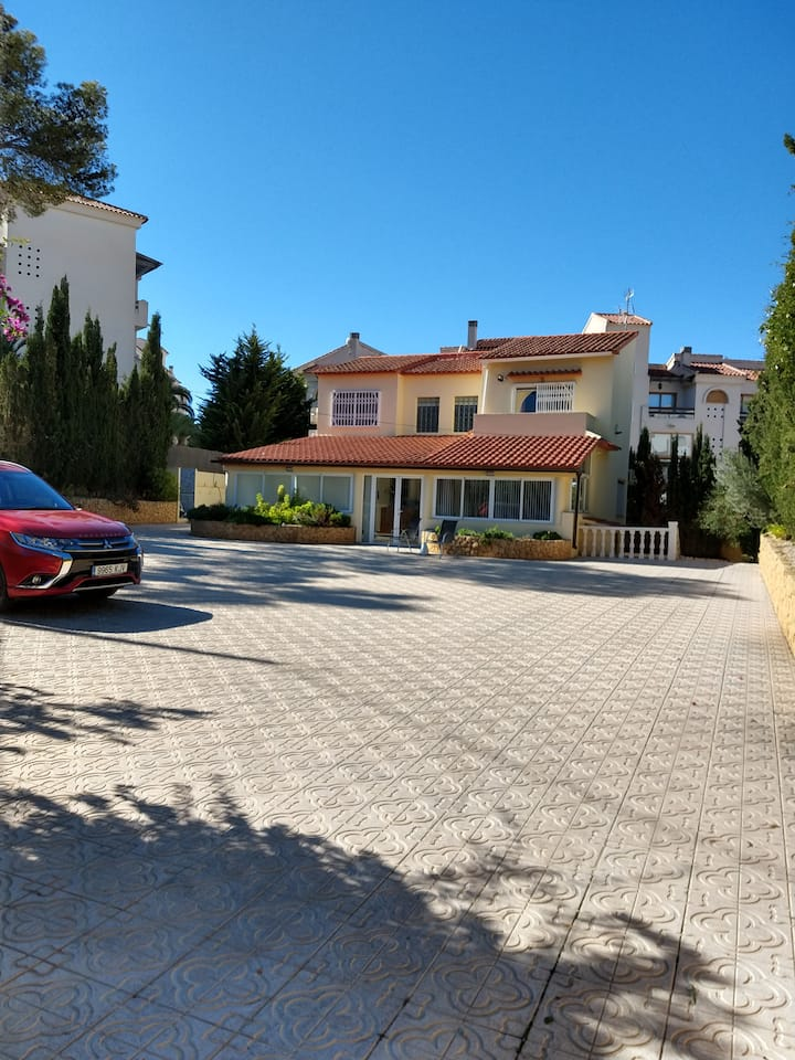 Large Villa for rent at center of Albir in Spain.