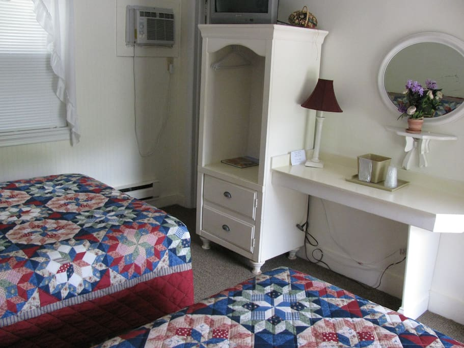 Two double beds and built-ins
