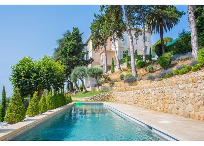 BELLE EPOQUE VILLA - GRASSE - 2nd SEASON OFFER!