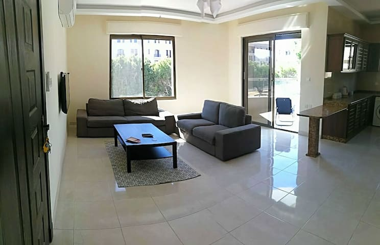Perfect location. Spacious 3 bedroom apartment.