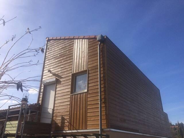 Studio avec terrasse, proche de Clermont-Ferrand