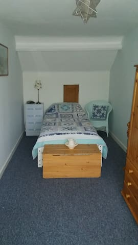 Charming and comfortable centrally located rooms. - Paignton - House