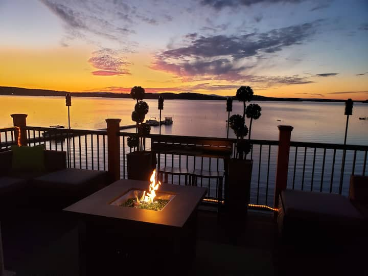 Luxury BnB directly on Lake Champlain w/best views