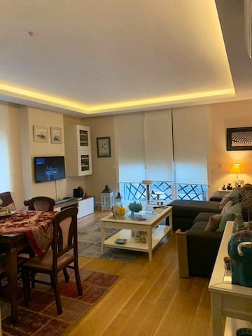 A cosy, bright appartment ,5 mn walk to seaside