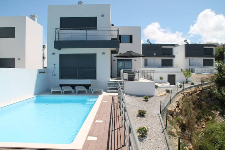 Super luxury villa with a private pool and game room, about 400 m from the ocean