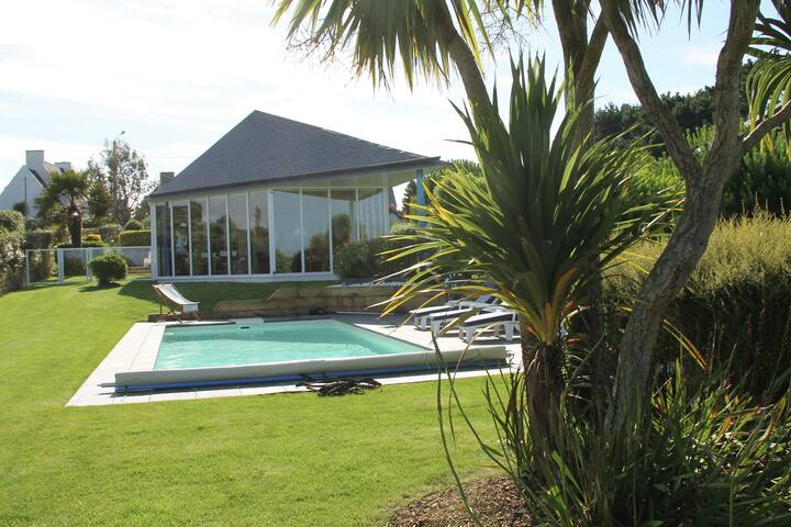 Comfortable villa with private swimming pool and is just 100 meters from the Atlantic Ocean