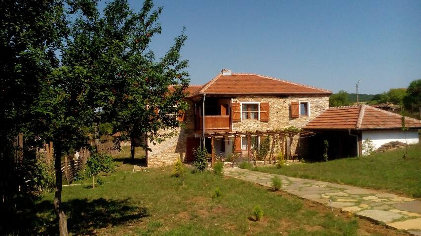 Casa Lambuh - your getaway guesthouse in Bulgaria - Lambuh - Guesthouse