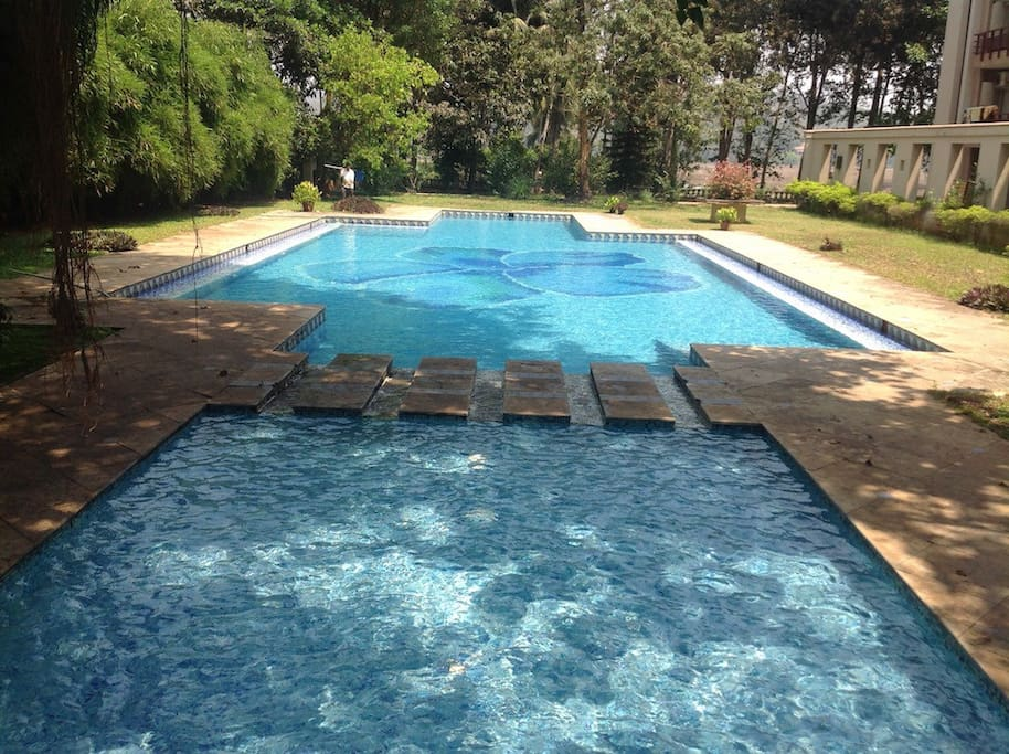 Meadows Swimming Pool