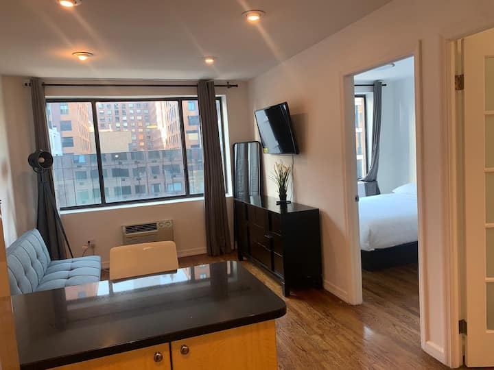 Bright 2 bedroom apartment