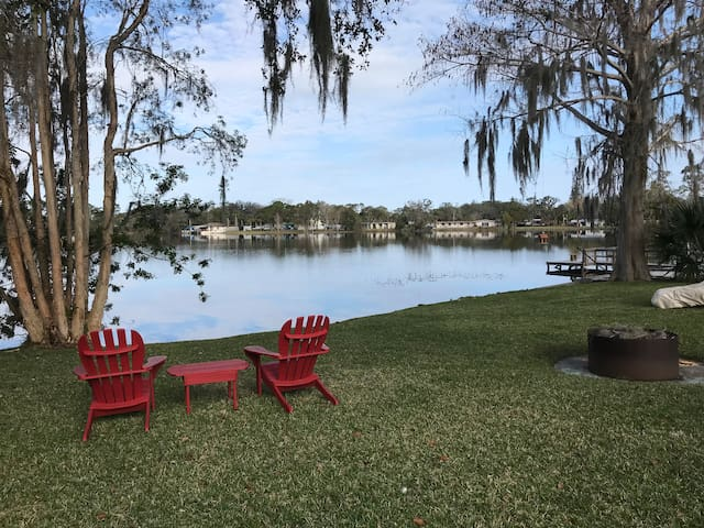 BnB in Lakefront Home near Orlando/UCF and Oviedo