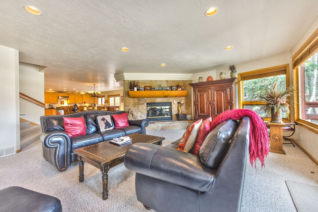 Spacious Living Room on Main Level with Flat Screen TV, DVD, Gas  Fireplace, and Deck with a Beautiful view of Deer Valley