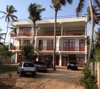 Savenrose Beach Villa - Matara