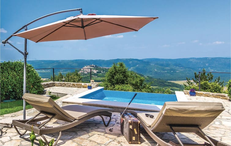 Beautiful village holiday villa on a perfect location - in the heart of charming Istria