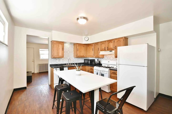 Updated Townhouse in Hot City Location!