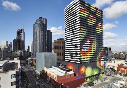 Amazing Brand New Apartment (walk to CBD) - 卡爾頓