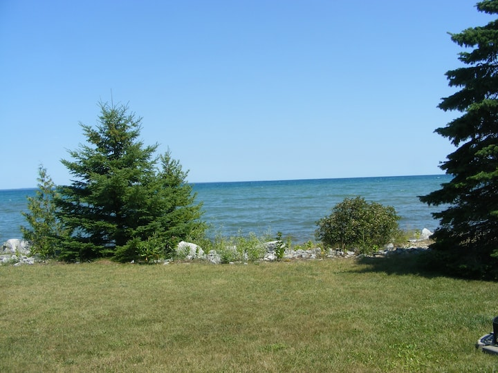 Serene Shores of Lake Huron 1 Bedroom Beach House!