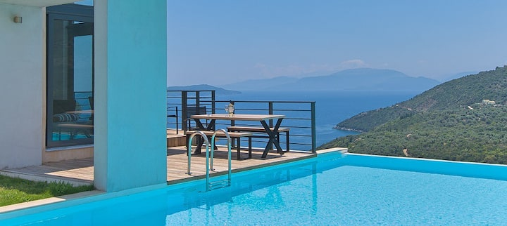 10-bedrooms luxury villas with amazing view