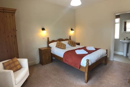 Double Room, En-suite