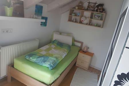 Einzelzimmer direkt in Brixen - Brixen