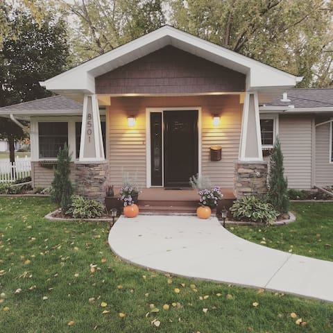 Cozy Home in Minneapolis - Super Bowl LII!!!! - Minneapolis - House