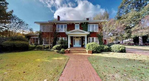 Beautiful home on Historic Grand Blvd with pool