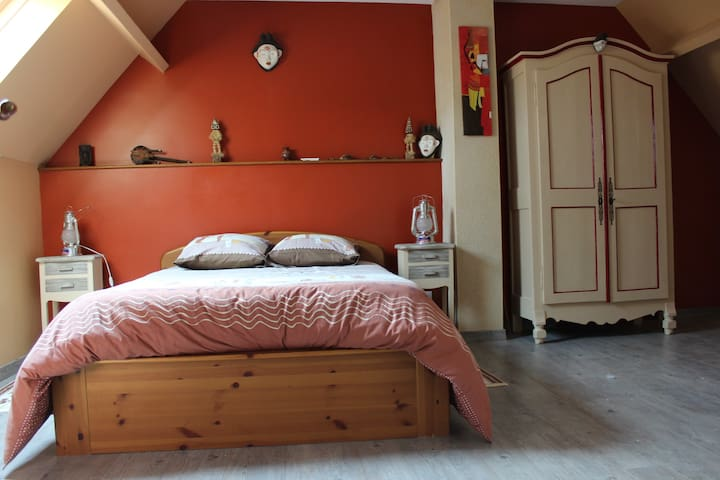 Chambre africaine - Betz-le-Château - Bed & Breakfast
