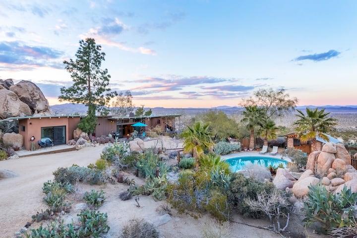 Rockbound Oasis Retreat -Pool, Giant Hot Tub, View