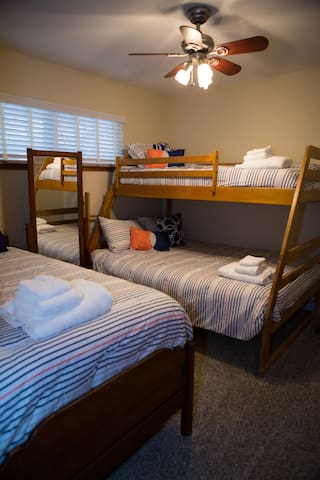 Bunk room - two twin beds and a full bed