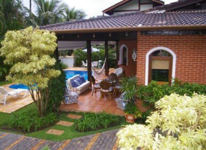 Luxuosa casa em Toque Toque Pequeno - São Sebastião