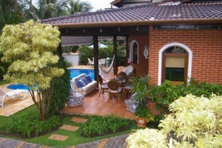 Luxuosa casa em Toque Toque Pequeno - São Sebastião - Huis