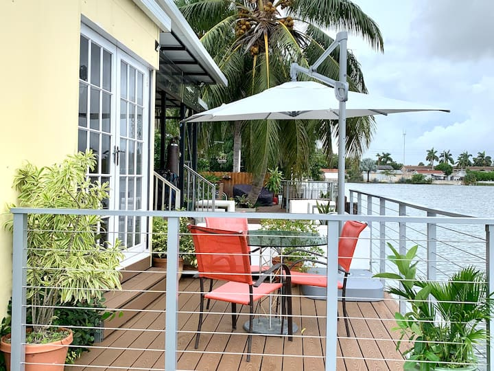 Key West Style, Outdoor Cabin