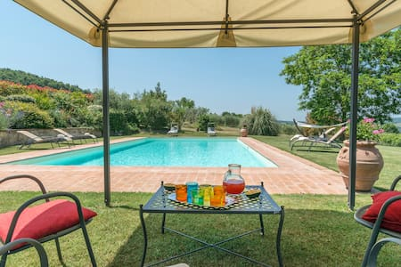 Lovely stone house with pool near Todi - Talo