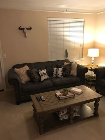 Nice, open one bedroom apartment - Webster - Apartamento