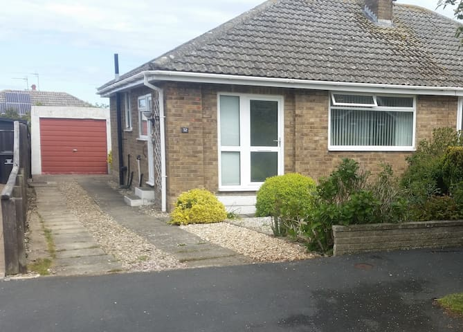 2 bedroom semidetached bungalow in Filey, N. Yorks