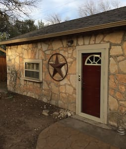 Quaint 1Bd Apartment with Carport - Abilene