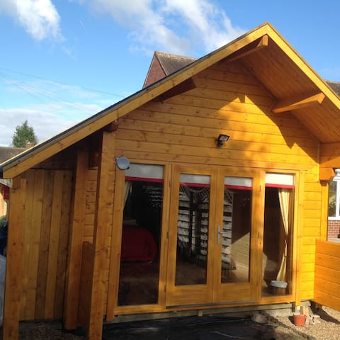 Self contained New Log Cabin - Over Peover, Knutsford - Lomamökki