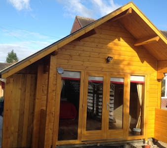 Self contained New Log Cabin - Over Peover, Knutsford - Chalé