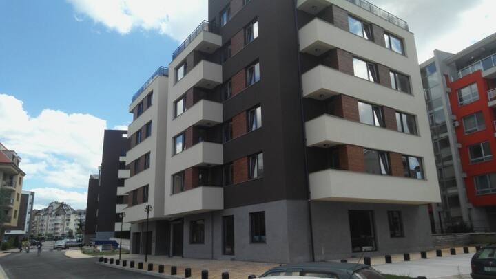 Luxury apartment near park and subway,hypermarkets