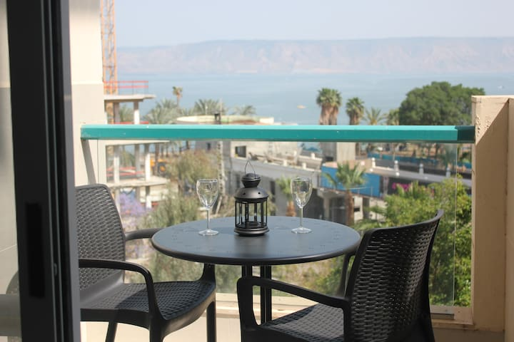 Modern apartment with lake view balcony - Tiberias - Lägenhet