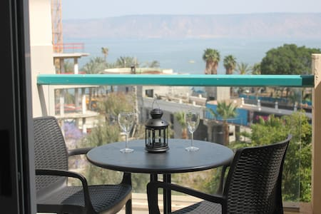 Modern apartment with lake view balcony - Tiberias