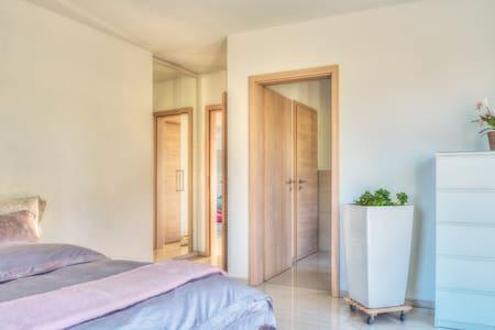 Garden Suite - 25 m2, Quality beddings & built-in closets
