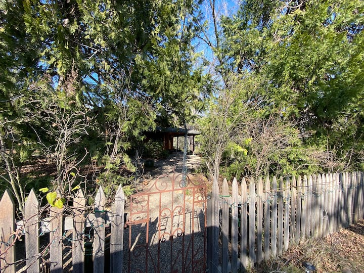 Cozy cottage 30 mins from Kings Canyon/ Sequoia