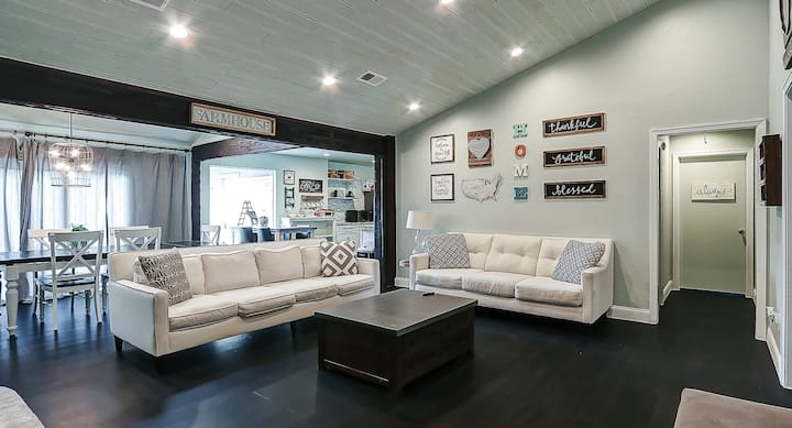 5BR/4 FULL BA Modern Farmhouse AT&T Stadium