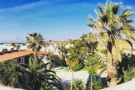 Charming villa close to the sea