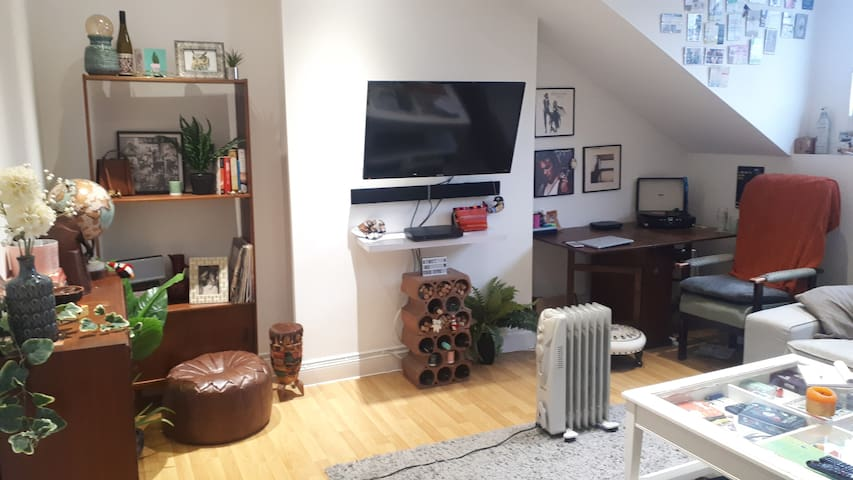 Cute Entire Flat in Finsbury Park - London