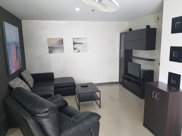 Luxury fully furnished 2 bedrooms condo