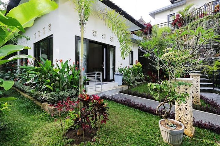 Cozy 1 bedroom private full kitchen - Ubud - House